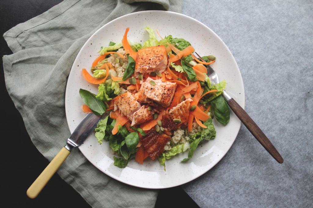 Kjapp og enkel salat med laks