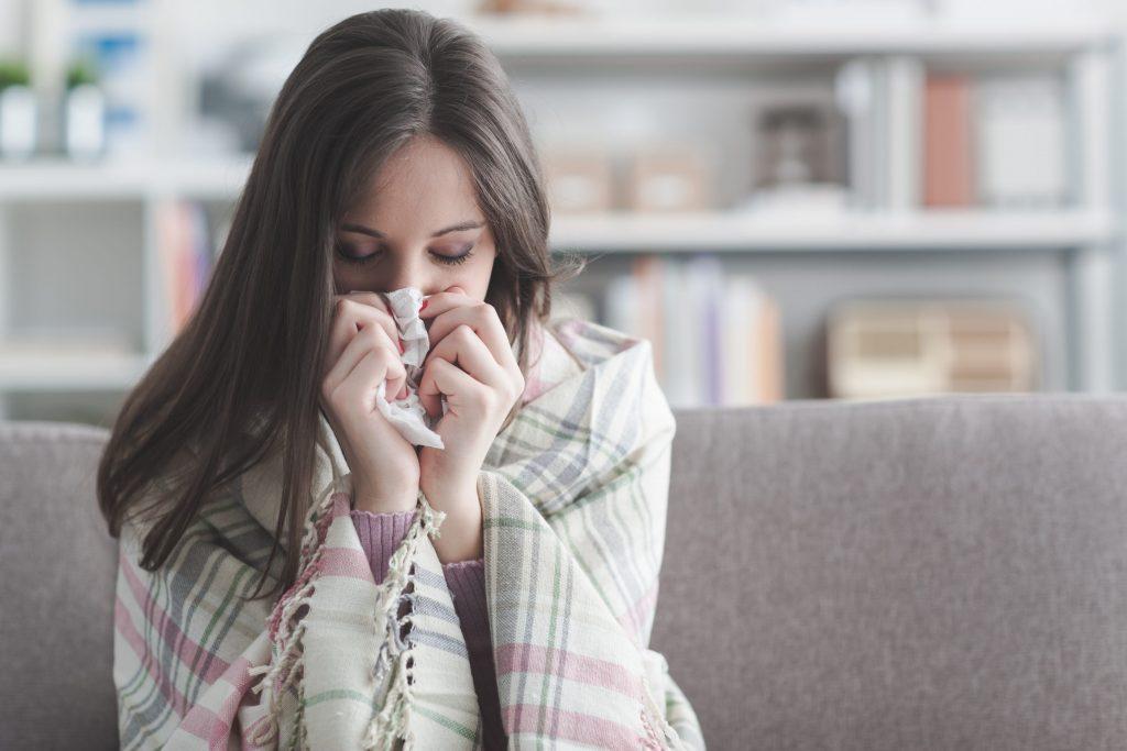 Slik skiller du forkjølelse fra influensa