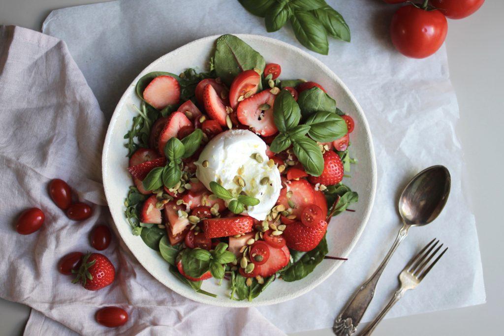 Denne salatoppskriften vil gi deg smak av sommer, uansett årstid!