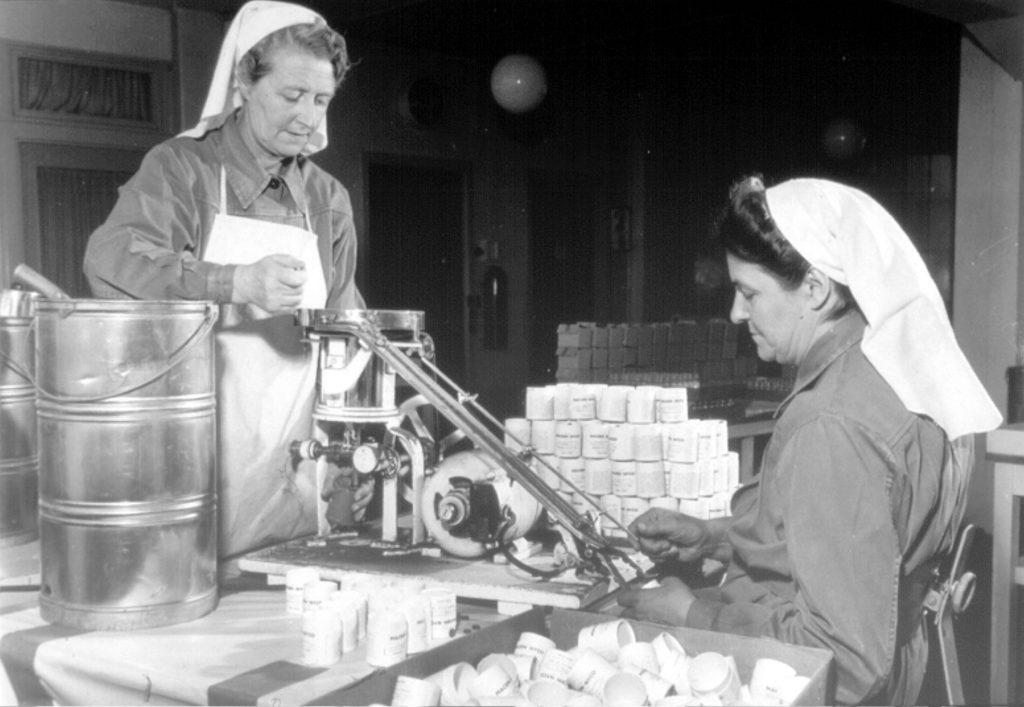 Kvinner på Nycomed-fabrikken